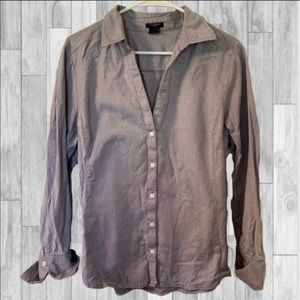 🎀 Ann Taylor Button Down V-Neck Shirt